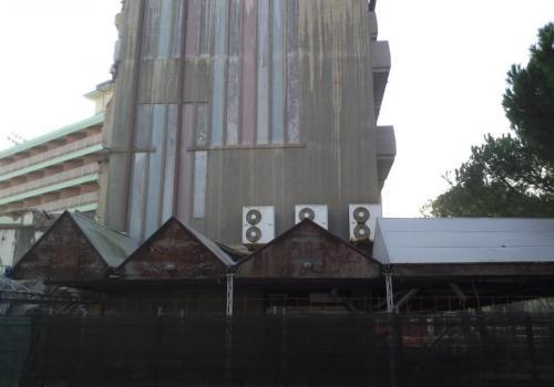 02.11.17 demolizione hotel (3)