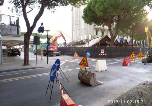 02.11.17 demolizione hotel (5)