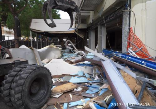 02.11.17 demolizioni hotel (8)